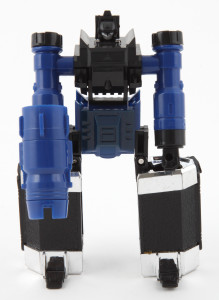 "Robo Scope in robot mode, holding his Optical Bazooka. This KO version refers to the weapon as Miracle Scope. It's a ""miracle"" if you can see anything through it."